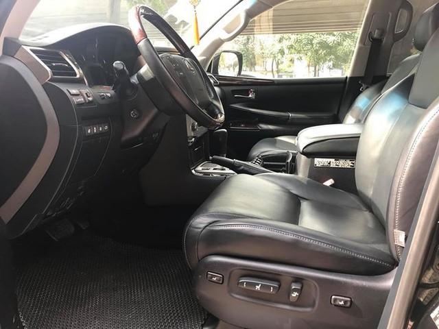 Đi 5 năm gần 6 vạn km, Lexus LX570 bán lại vẫn được giá 4,3 tỷ đồng - Ảnh 6.