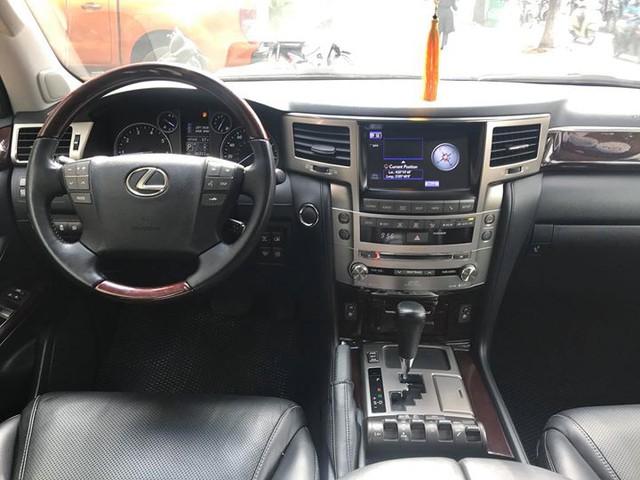 Đi 5 năm gần 6 vạn km, Lexus LX570 bán lại vẫn được giá 4,3 tỷ đồng - Ảnh 5.