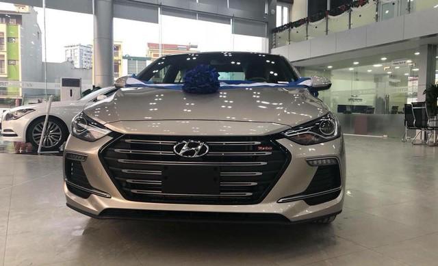 """Hyundai Elantra Sport """"cháy hàng"""", nhân viên tranh thủ chào giá cao để chốt lời trước Tết - Ảnh 2."""