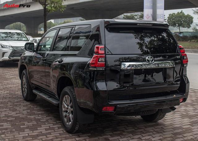 Sau Tết, giá xe Toyota Land Cruiser, Prado còn tăng mạnh - Ảnh 2.