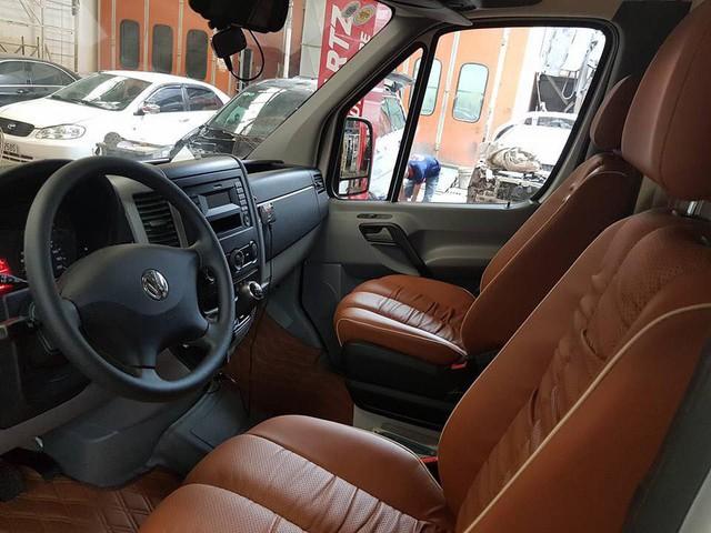 Volkswagen Crafter - limousine chuyên cơ bị ghẻ lạnh tại Việt Nam - Ảnh 5.