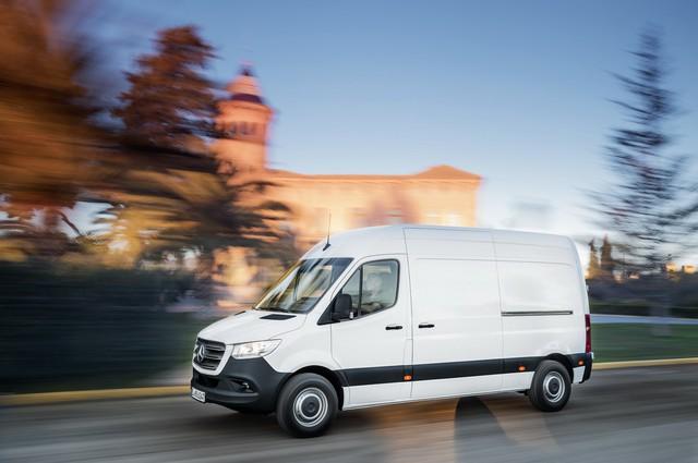 Mercedes-Benz Sprinter thế hệ mới chính thức trình làng - Ảnh 8.