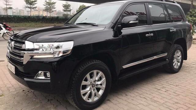 Toyota Land Cruiser VX 2016 lăn bánh 25.000km rao bán lại giá 3,8 tỷ đồng