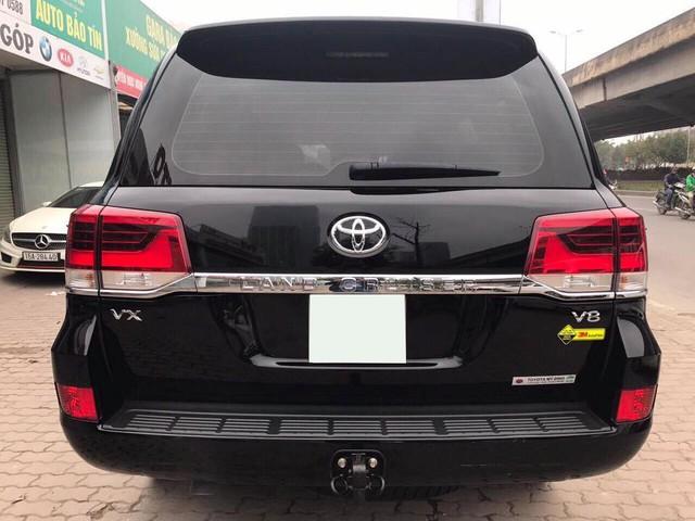 Toyota Land Cruiser VX 2016 lăn bánh 25.000km rao bán lại giá 3,8 tỷ đồng - Ảnh 4.