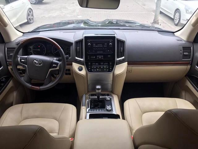Toyota Land Cruiser VX 2016 lăn bánh 25.000km rao bán lại giá 3,8 tỷ đồng - Ảnh 5.
