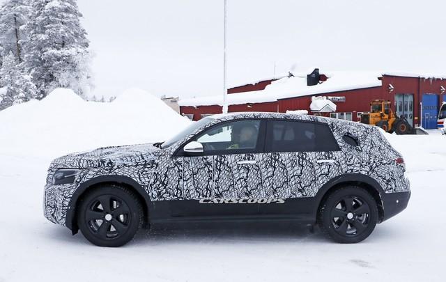 SUV chạy điện Mercedes-Benz EQ C được chốt lịch ra mắt - Ảnh 2.