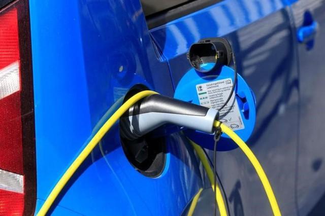 Quốc gia nào đang chuyển đổi sang xe điện nhanh nhất? - Ảnh 1.