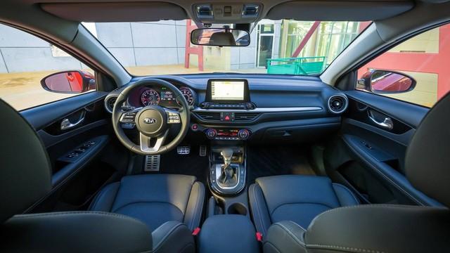 Kia Forte 2019 rộng rãi hơn và tiết kiệm nhiên liệu hơn trước - Ảnh 2.