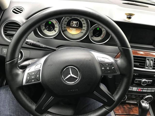 Mercedes-Benz C250 lăn bánh hơn 7 năm rao bán lại giá 695 triệu đồng - Ảnh 6.