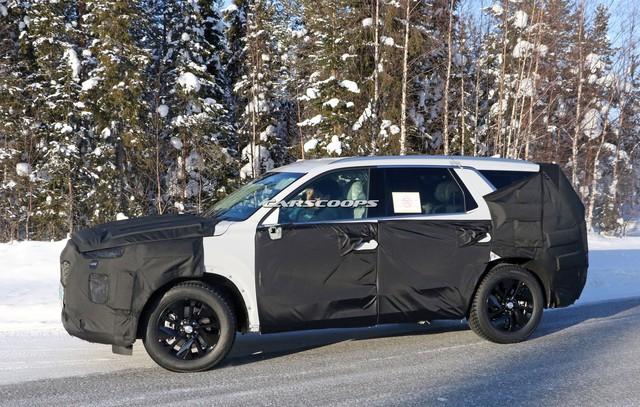 Hyundai chạy thử mẫu SUV cỡ lớn đầu tiên - đàn anh Santa Fe 2019 - Ảnh 2.