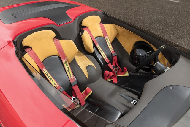 Siêu xe Ferrari lai Lotus độc nhất vô nhị chuẩn bị lên sàn đấu giá - Ảnh 2.