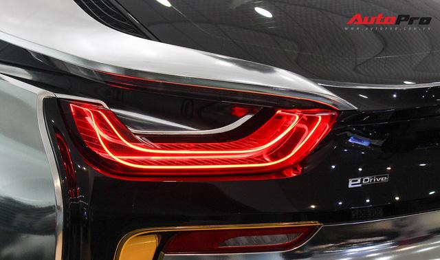 BMW i8 dán decal chrome bạc độc nhất Việt Nam rao bán lại giá 3,9 tỷ đồng - Ảnh 10.