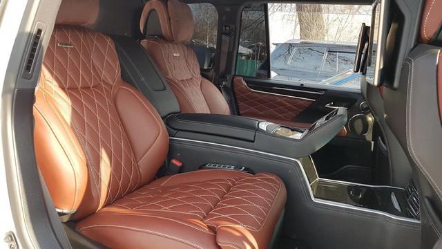Lexus LX570 Super Sport bản limousine 4 chỗ chào hàng đại gia Việt - Ảnh 10.