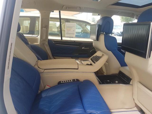 Lexus LX570 Super Sport bản limousine 4 chỗ chào hàng đại gia Việt - Ảnh 6.