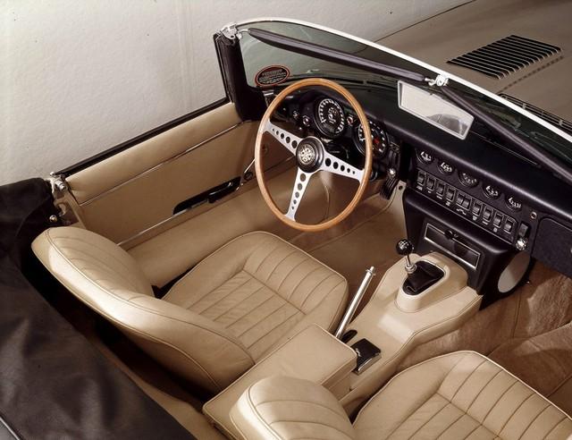 15 mẫu xe có vô lăng quyến rũ nhất mọi thời đại - Ảnh 1.