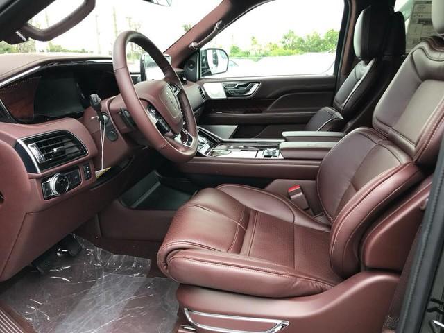 SUV dạng limousine Lincoln Navigator L Black Label về Việt Nam sẽ có giá ngang Lexus LX570 - Ảnh 8.