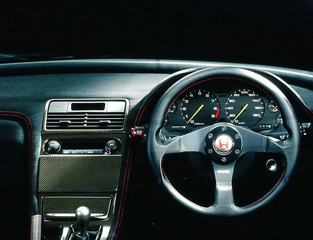 15 mẫu xe có vô lăng quyến rũ nhất mọi thời đại - Ảnh 8.