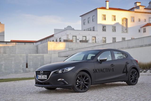 SkyActiv-X: Nỗ lực cứu động cơ đốt trong hay lời biện bạch chậm phát triển xe điện của Mazda? - Ảnh 1.