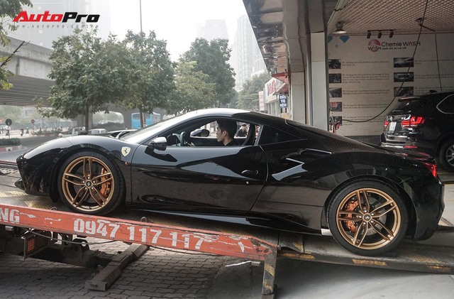 Đại gia Hà Nội tậu Ferrari 488 GTB màu đen độc nhất Việt Nam - Ảnh 12.