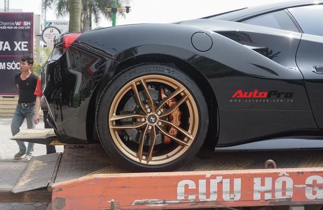 Đại gia Hà Nội tậu Ferrari 488 GTB màu đen độc nhất Việt Nam - Ảnh 10.