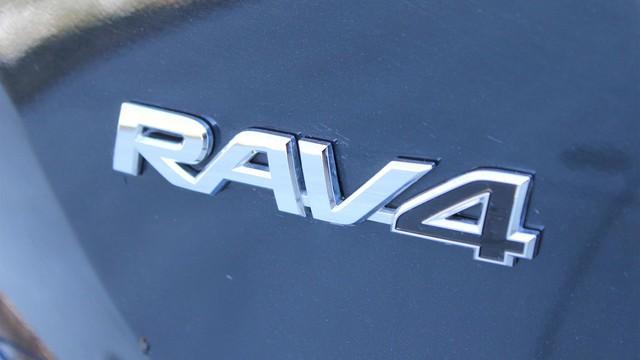 Toyota chuẩn bị gì cho RAV4 2019 để lật đổ Honda CR-V - Ảnh 5.