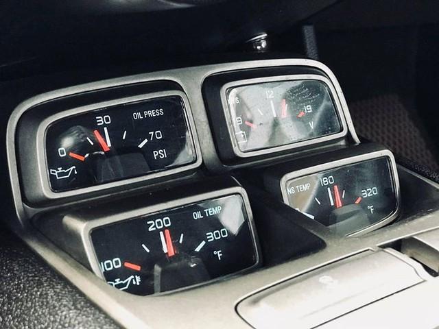 Xe thể thao Chevrolet Camaro 7 năm tuổi bán lại giá ngang Toyota Camry - Ảnh 11.