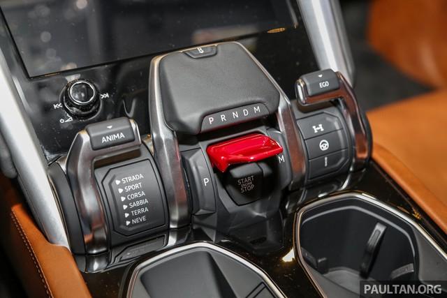 Siêu SUV Lamborghini Urus ra mắt tại Malaysia, giá khoảng 255.000 USD - Ảnh 11.