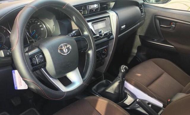Cháy hàng, Toyota Fortuner cũ rao giá cao hơn xe mới cả trăm triệu đồng - Ảnh 2.