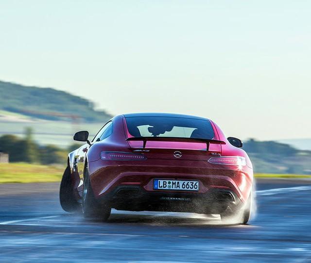 Mercedes-Benz khoe 5 công nghệ độc đáo nhất trên xe hiệu suất cao AMG - Ảnh 2.