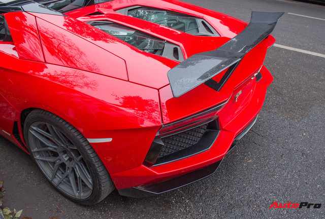 Lamborghini Aventador Roadster độ cánh gió, mâm ADV.1 tại Hà Nội - Ảnh 12.