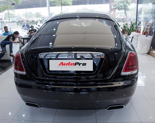 Rolls-Royce Wraith dán decal đổi màu phong cách Black Badge tại Hà Nội - Ảnh 12.
