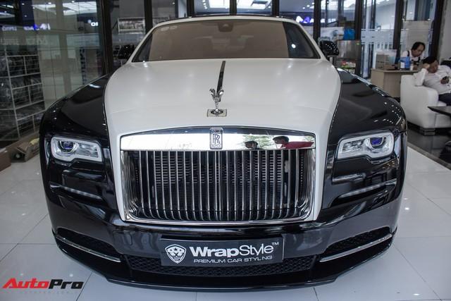 Rolls-Royce Wraith dán decal đổi màu phong cách Black Badge tại Hà Nội - Ảnh 7.