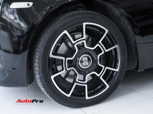 Rolls-Royce Wraith dán decal đổi màu phong cách Black Badge tại Hà Nội - Ảnh 3.