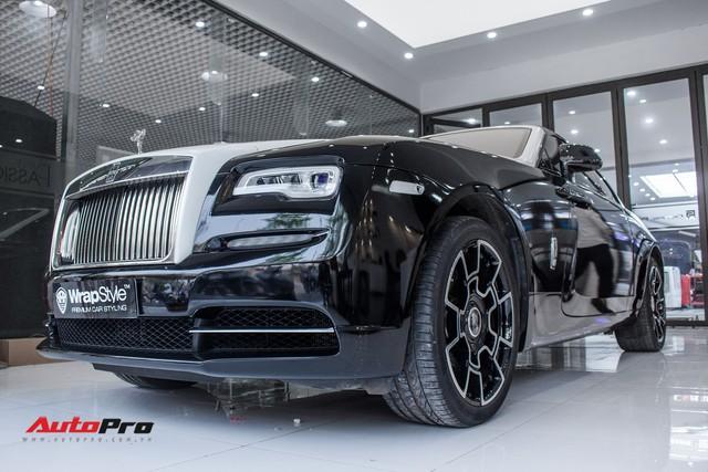 Rolls-Royce Wraith dán decal đổi màu phong cách Black Badge tại Hà Nội - Ảnh 8.
