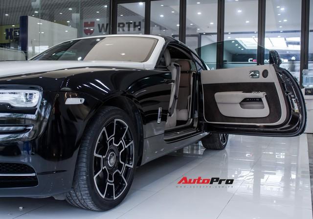 Rolls-Royce Wraith dán decal đổi màu phong cách Black Badge tại Hà Nội - Ảnh 14.