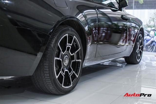 Rolls-Royce Wraith dán decal đổi màu phong cách Black Badge tại Hà Nội - Ảnh 17.
