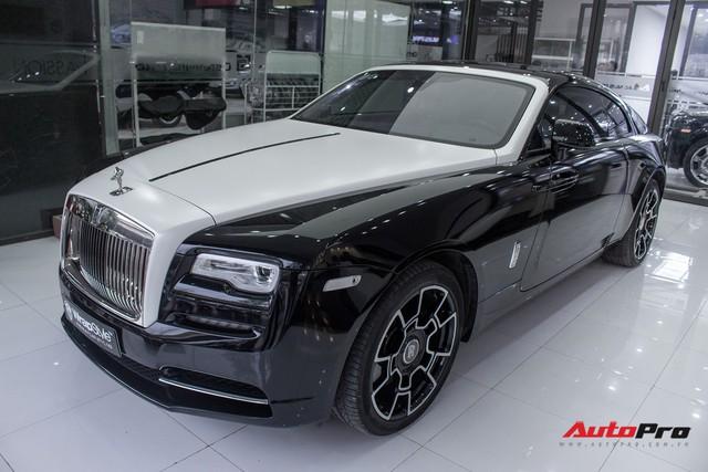 Rolls-Royce Wraith dán decal đổi màu phong cách Black Badge tại Hà Nội - Ảnh 1.
