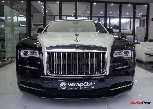 Rolls-Royce Wraith dán decal đổi màu phong cách Black Badge tại Hà Nội - Ảnh 10.