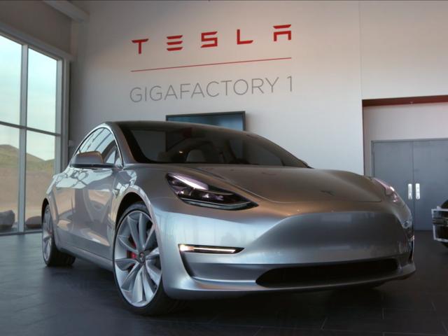 Ít ai khám phá ra những điều thú vị này của xe Tesla - Ảnh 1.