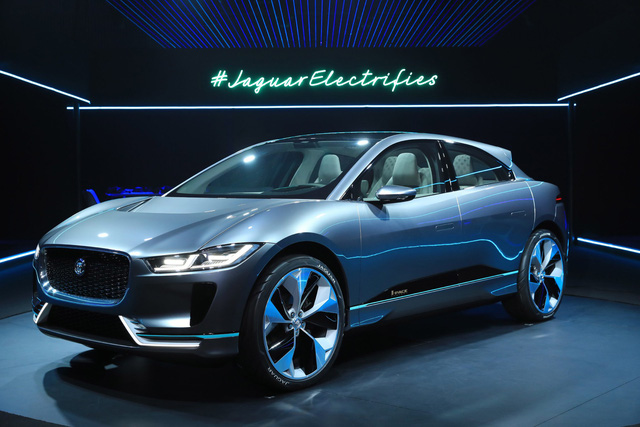 Jaguar mang SUV điện I-Pace đi đua công thức 1 - Ảnh 2.