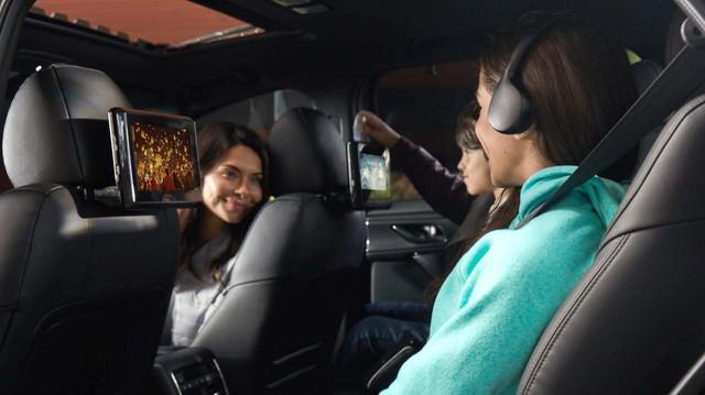 Mazda CX-9 được nâng cấp hàng ghế sau với hệ thống giải trí hoàn toàn mới