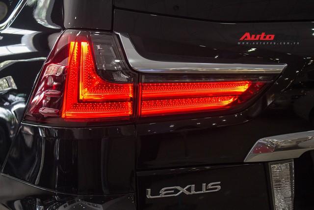 Lexus LX570 2016 nhập Mỹ lăn bánh 20.000km bán lại giá 7,3 tỷ đồng - Ảnh 10.