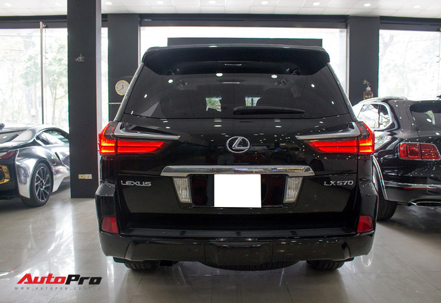 Lexus LX570 2016 nhập Mỹ lăn bánh 20.000km bán lại giá 7,3 tỷ đồng - Ảnh 6.