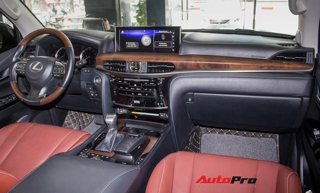 Lexus LX570 2016 nhập Mỹ lăn bánh 20.000km bán lại giá 7,3 tỷ đồng - Ảnh 7.