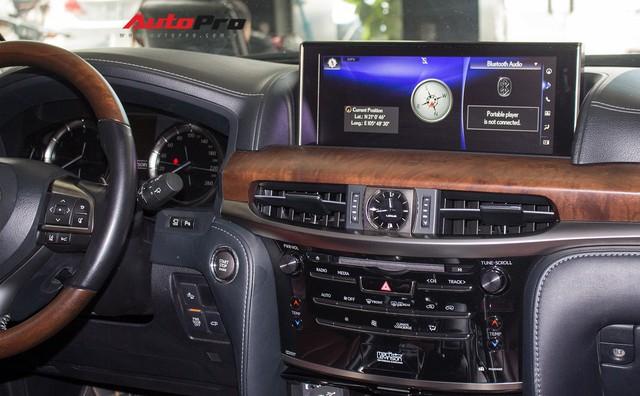 Lexus LX570 2016 nhập Mỹ lăn bánh 20.000km bán lại giá 7,3 tỷ đồng - Ảnh 20.