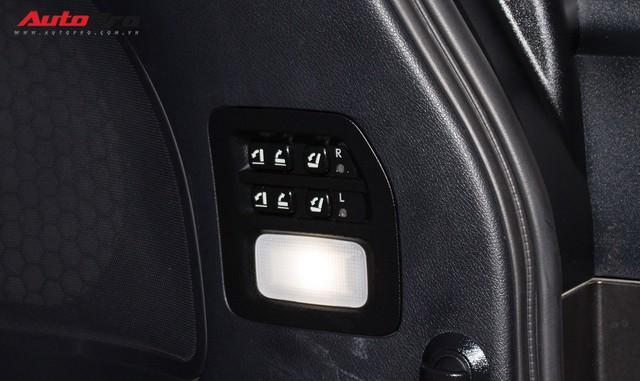 Lexus LX570 2016 nhập Mỹ lăn bánh 20.000km bán lại giá 7,3 tỷ đồng - Ảnh 28.