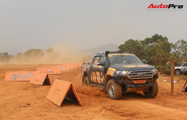 Xem ô tô bay, đua tốc độ tại Knock out the King 2018 ở Hà Nội - Ảnh 36.