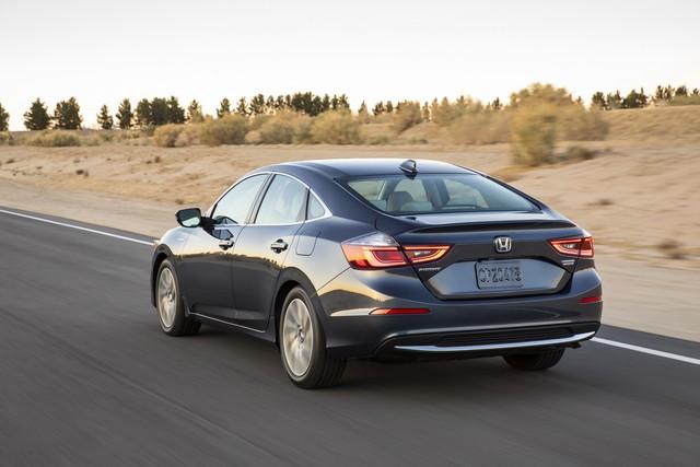 Nằm giữa Civic và Accord, Honda Insight 2019 chỉ ăn xăng 4,2 lít/100 km - Ảnh 4.