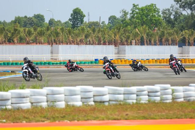 Honda Việt Nam khởi động giải đua mô tô cúp vô địch quốc gia 2018 - Ảnh 2.