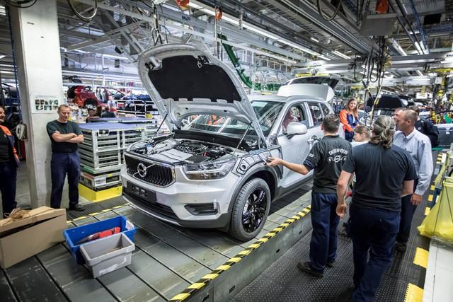 Volvo lắp ráp xe Trung Quốc tại châu Âu - Ảnh 1.